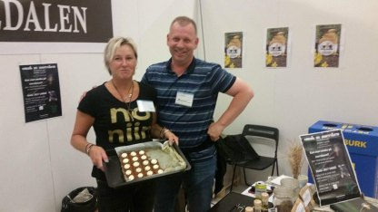 Erik Bäckström levererade morotskaka som han bakat enkomt till oss som smakprov