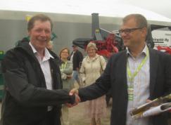 Finska centerpartiets partiledare Juha Sipilä I finska Pello. Även han värderade det gränsöverskridande samarbetet människorna emellan våra länder