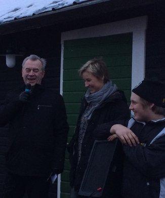 Landsbygdsminister Bucht och Åsa och Gustav beredda