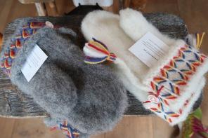 Äkta lovikka vantar från Lovikka, Pajalaa